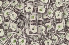优克联第二季度营收为1924万美元,同比下降8.5%